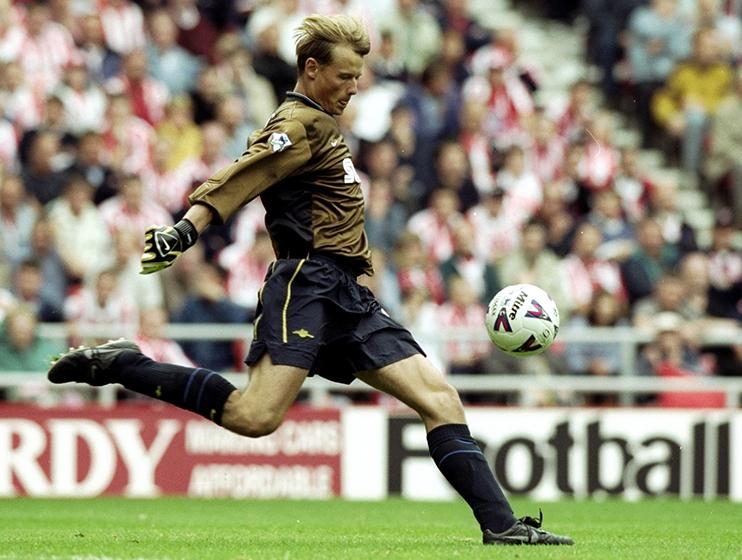 Former Arsenal keeper Alex Manninger