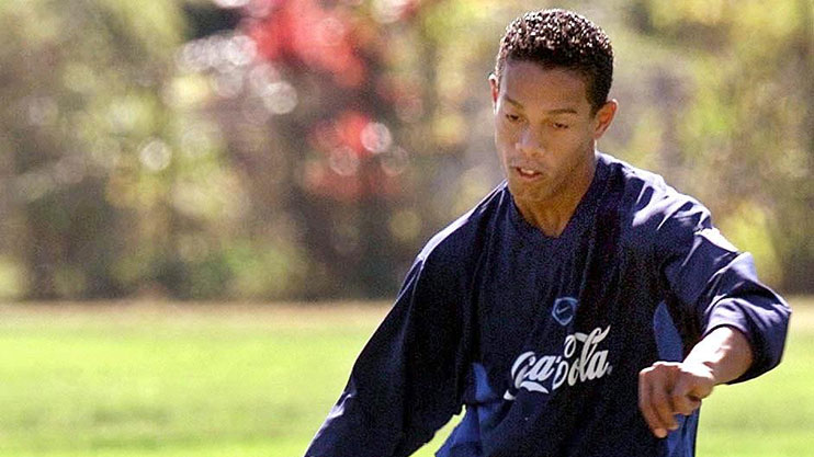 EPA-Ronaldinho-jogando-gremio