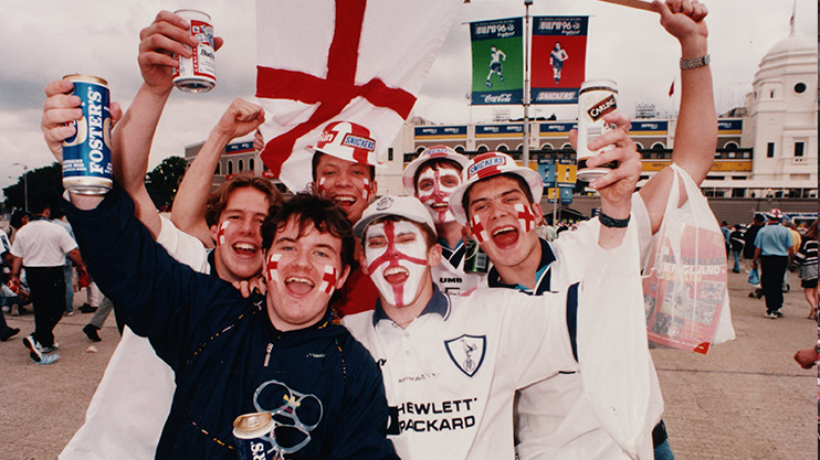 England-fans-lager-beers