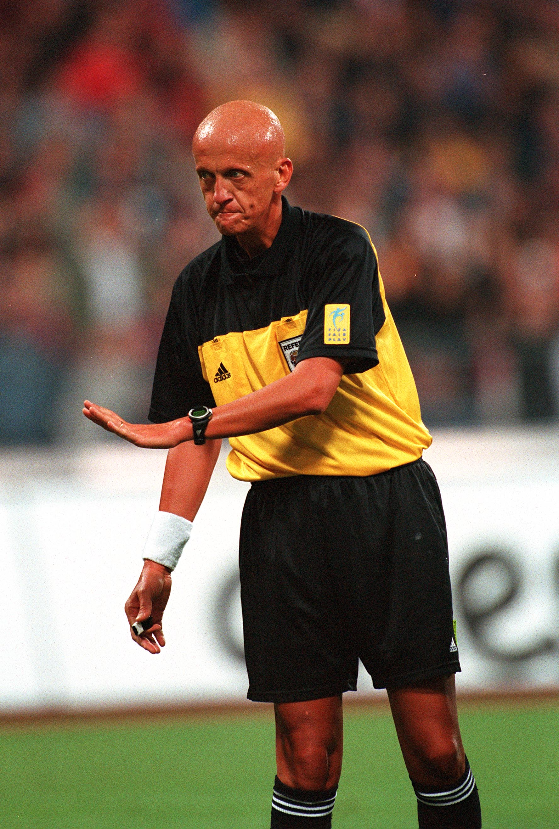 Sport. Football. 2002 World Cup Qualifier. Group 9. Munich. 1st September 2001. Germany 1 v England 5. Referee Pierluigi Collina, from Italy.