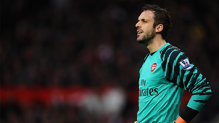 Manuel Almunia in goal for Arsenal against Man United in 2011