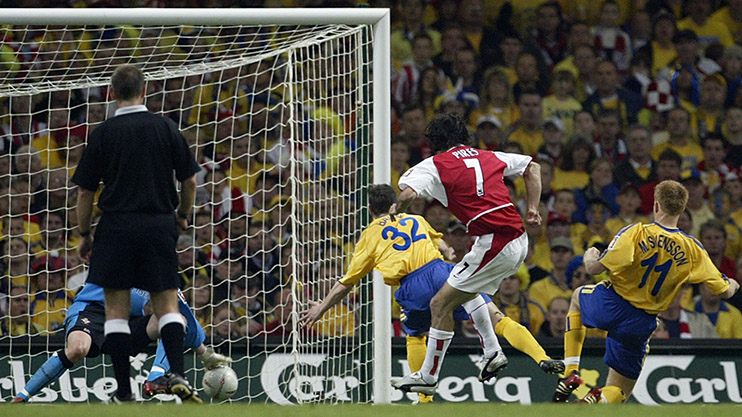 Robert Pires scores the winner in the FA Cup final