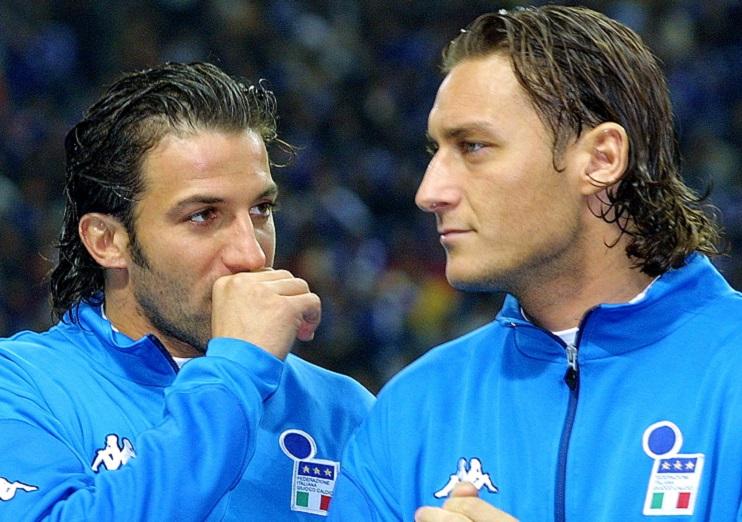 Italian forwards Alessandro Del Piero (L) of F.C.