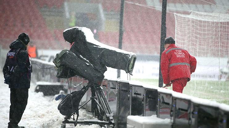 winter-football-snow