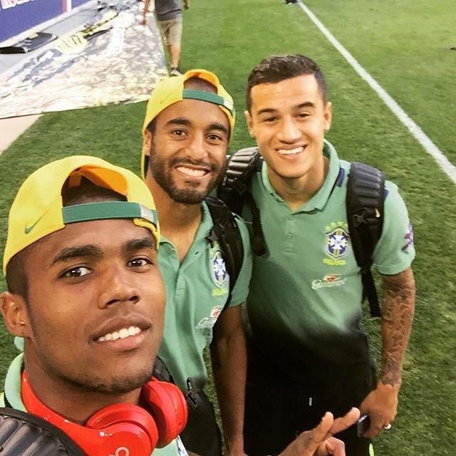 Costa with Brazil team-mates Lucas Moura and Coutinho