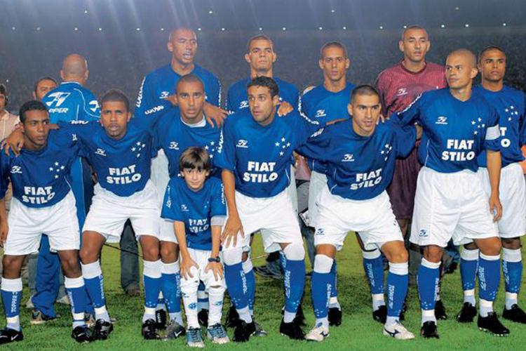 Cruzeiro line up before a game, captained by midfielder Alex