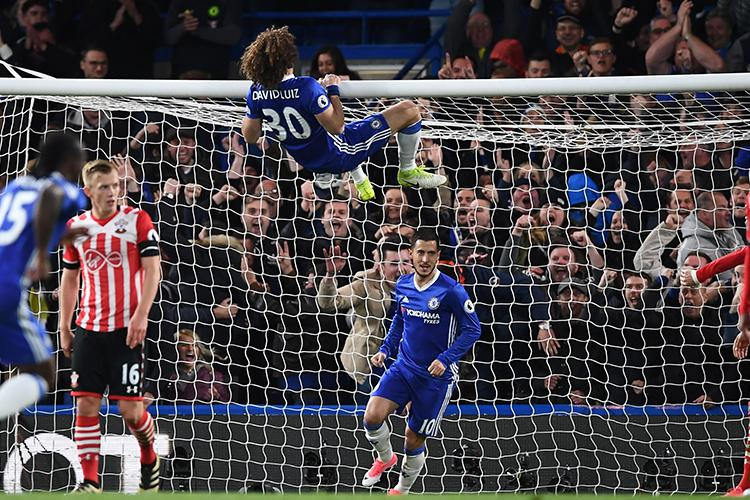 Another day, another unorthodox piece of defending from Luiz