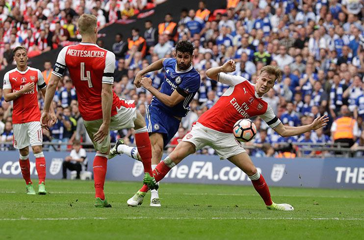 Diego Costa shoots past David Opsina to level the game