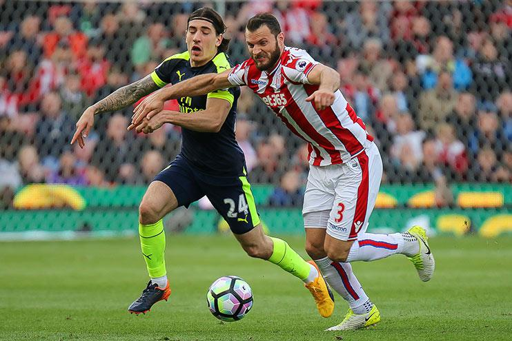 Erik Pieters introducing Hector Bellerin to the noble art of shielding the ball.