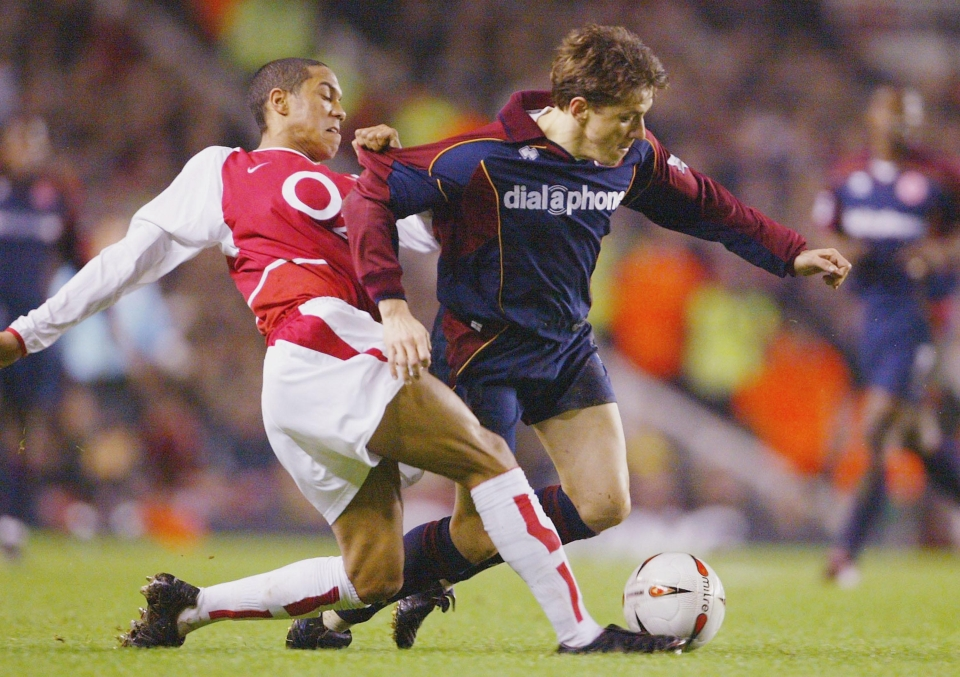 This was taken so long ago that it is indeed Juninho that Clichy is tackling