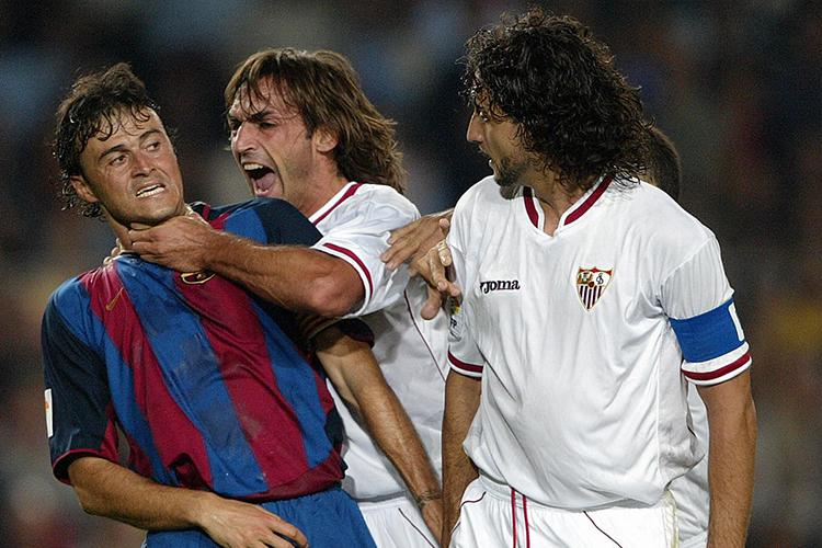 Luis Enrique making friends with his Sevilla counterparts