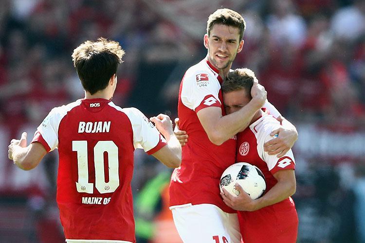Bojan Krkic celebrates Mainz's comeback