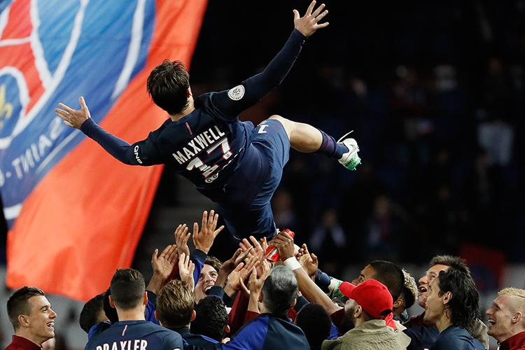 Psg Left Back Maxwell Overtaken As Football S Most Decorated Player
