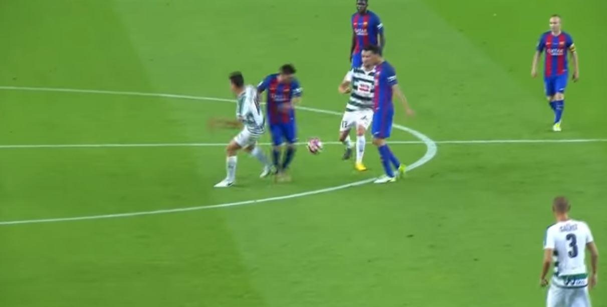 He squeezes between two defenders