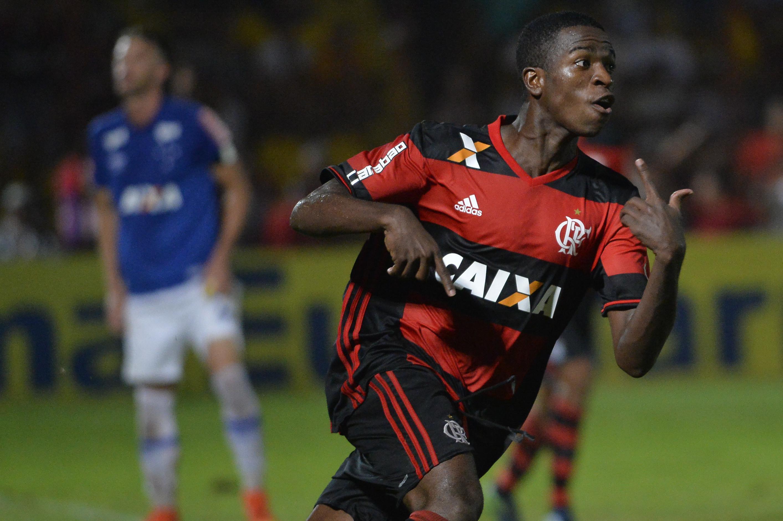 Vinicius Junior is already a senior Flamengo player