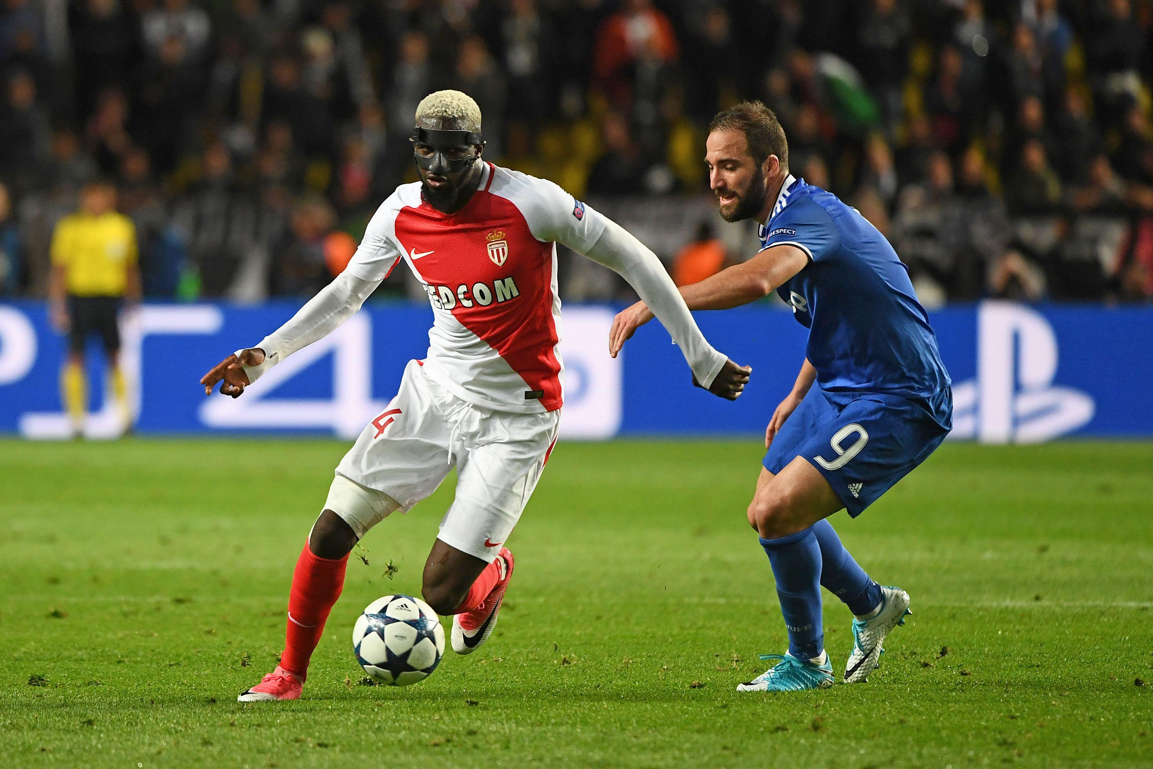 Tiemoue Bakayoko drifts past Gonzalo Higuain on Wednesday night