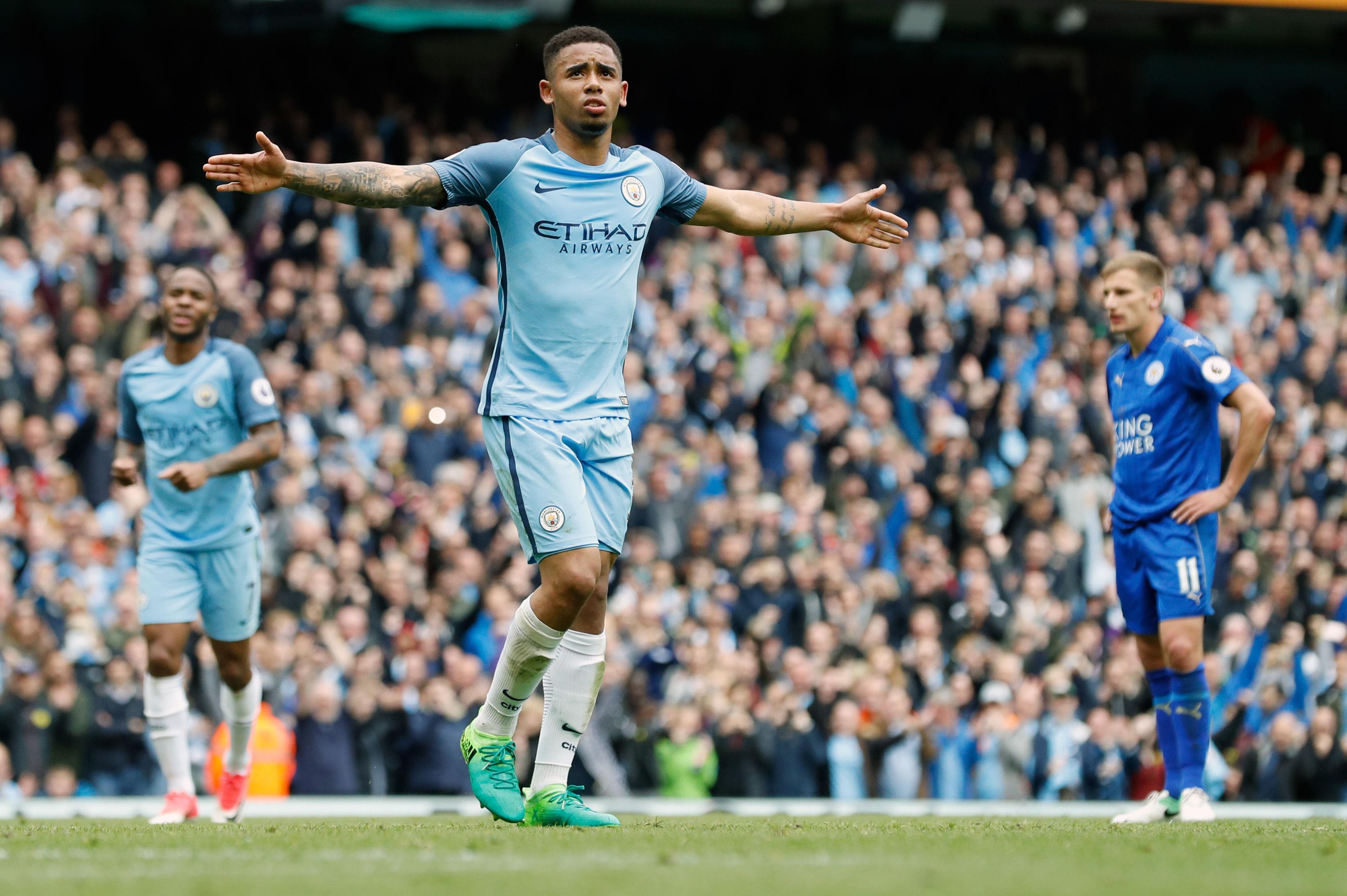 Gabriel Jesus celebrates his penalty