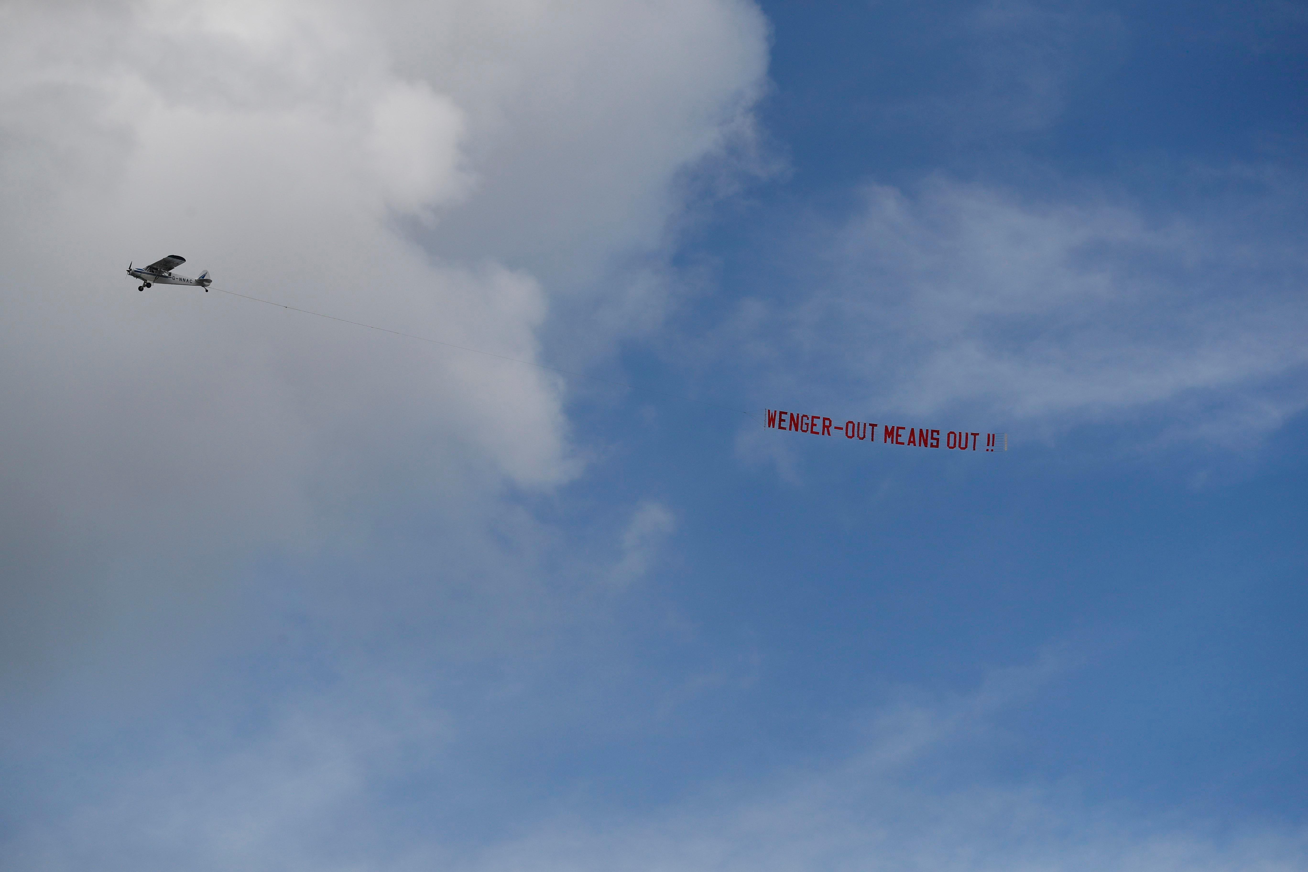 Alexis Sanchez was keen to jet off on his summer break…