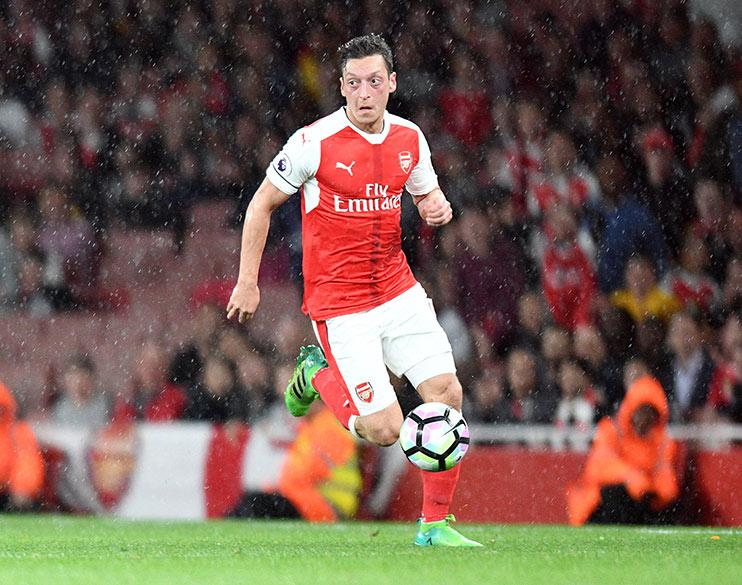 Proof that Mesut Ozil does run… and he runs a lot more than you think he does