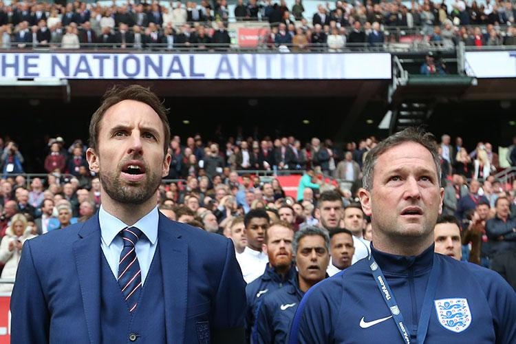 Singing with his mate Steve Holland