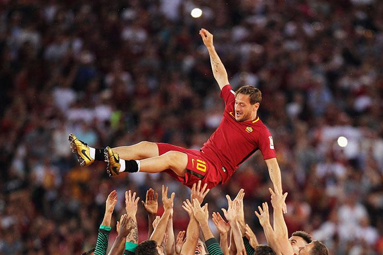 Totti carried Roma for years, it was only right they carried him for a few seconds