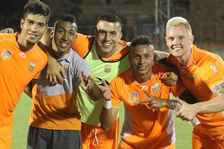 Thumbs up if you want to play for Colombia?