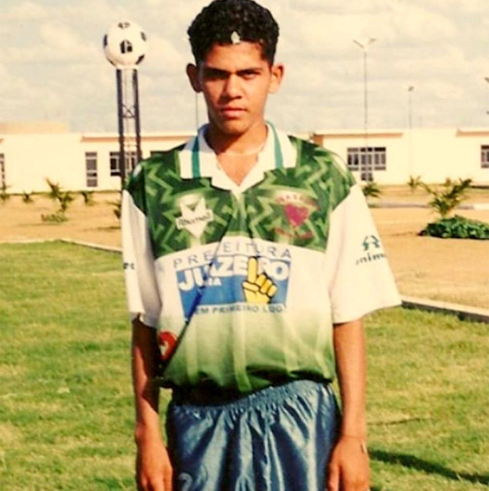Alves was a peculiar looking teenager