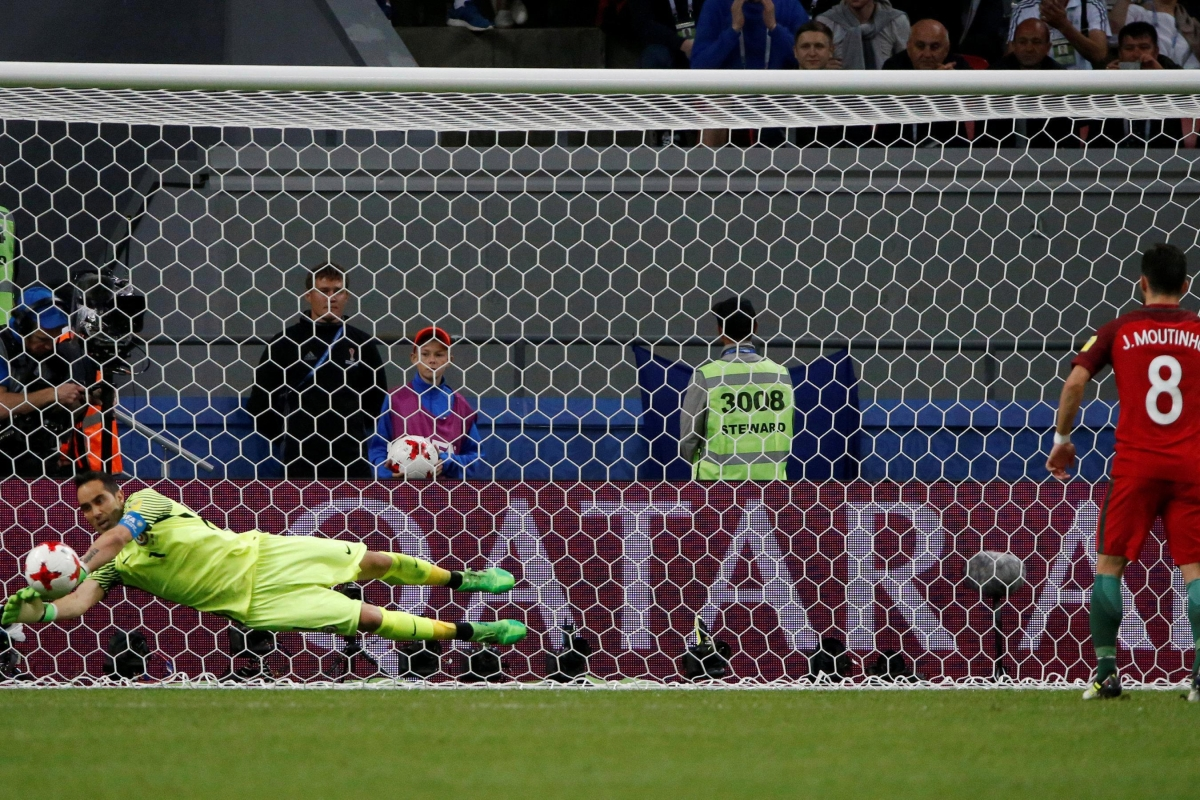 68948c5f868 Astonishing Claudio Bravo statistic emerges after Man City flop s penalty  heroics for Chile
