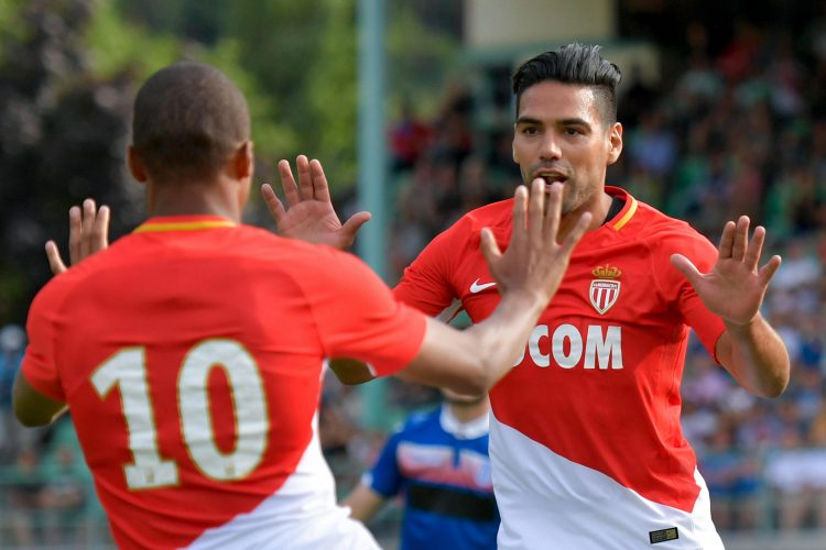 Falcao doesn't quite get how to play Fives yet