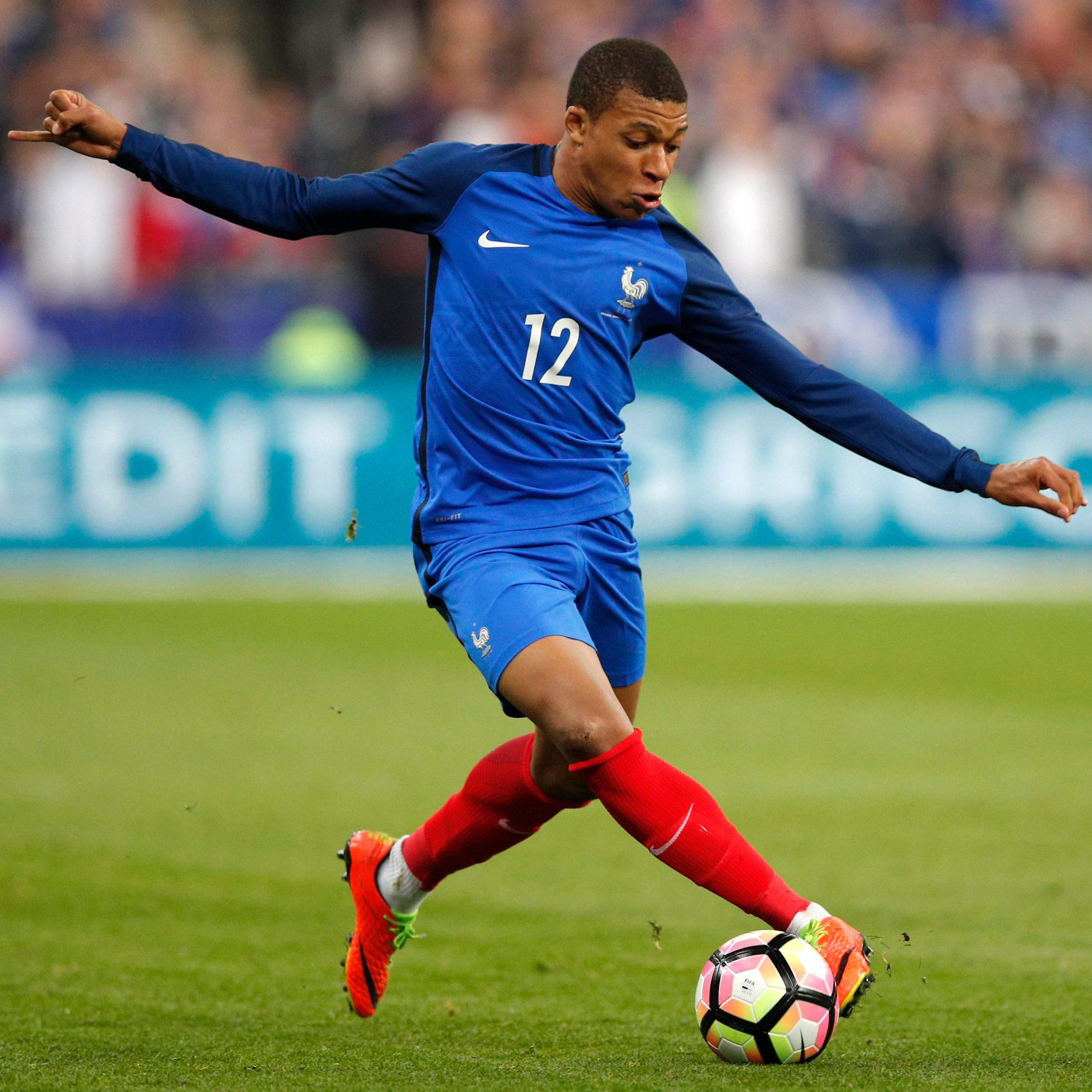 Kylian Mbappe seems like to stay at Monaco aftre they hit out at alleged illegal approaches