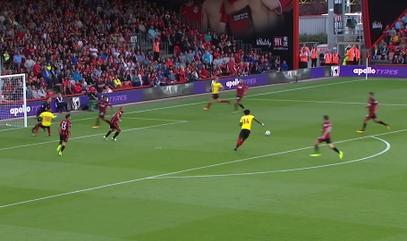 A cross comes in from the right-wing, which finds Chalobah in plenty of space