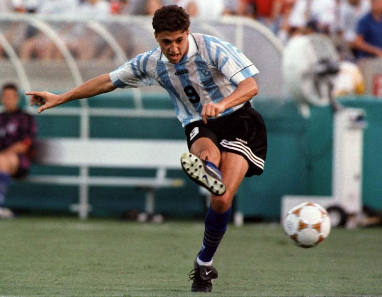 If anyone has that Argentina kit and is thinking of selling, drop us a line