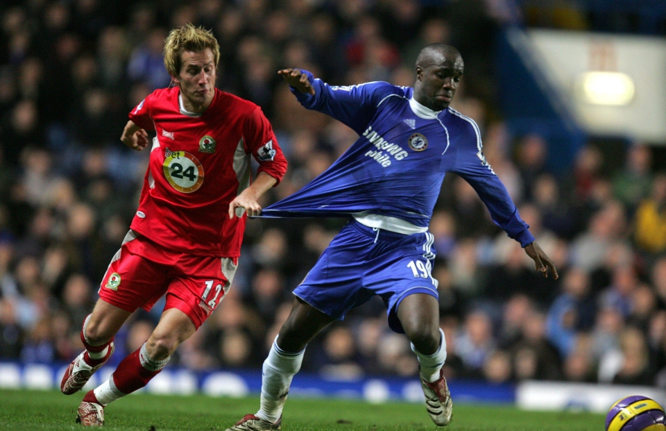 Diarra played mostly as a right-back at Chelsea under Mourinho