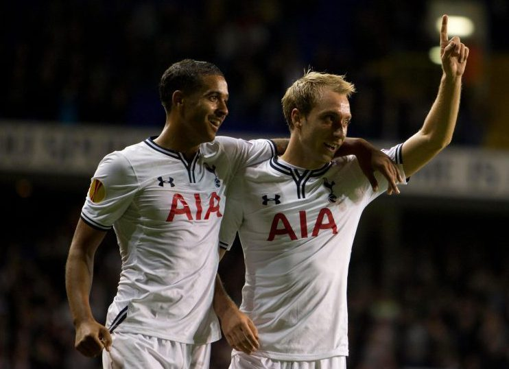 Hands up if you want Kyle Naughton to leave?