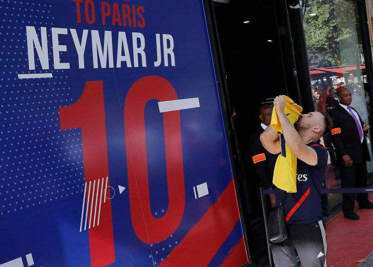 Bonjour Neymar. Can you do it on a cold wet night in Amiens?