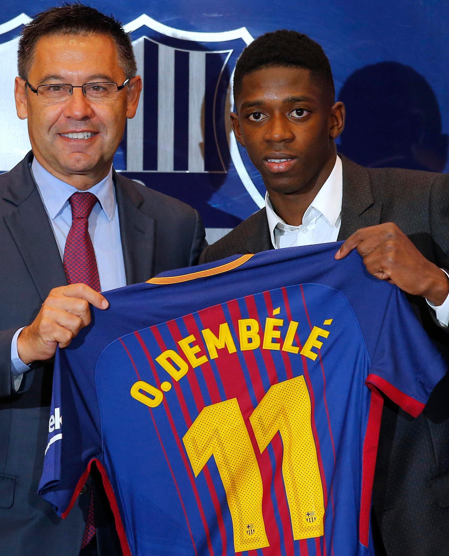 Barcelona president welcomes Ousmane Dembele to the Nou Cam