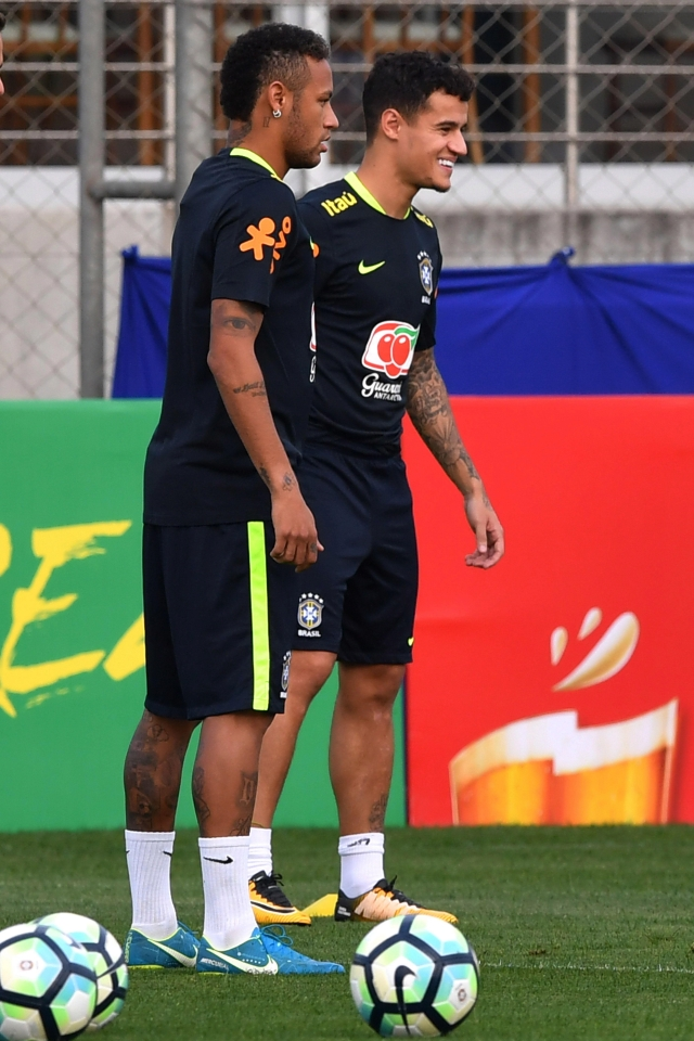 Coutinho and Neymar are very close at Brazil