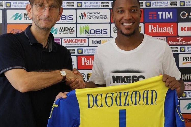The classic no.1 shirt from Jonathan De Guzman