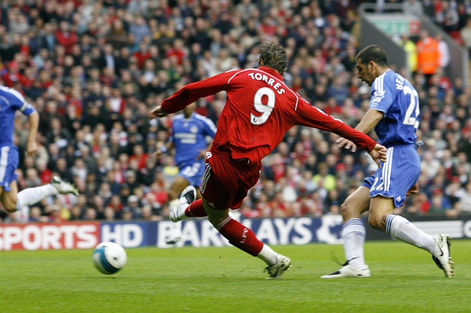 Torres scored a brilliant first Liverpool goal against Chelsea in 2007