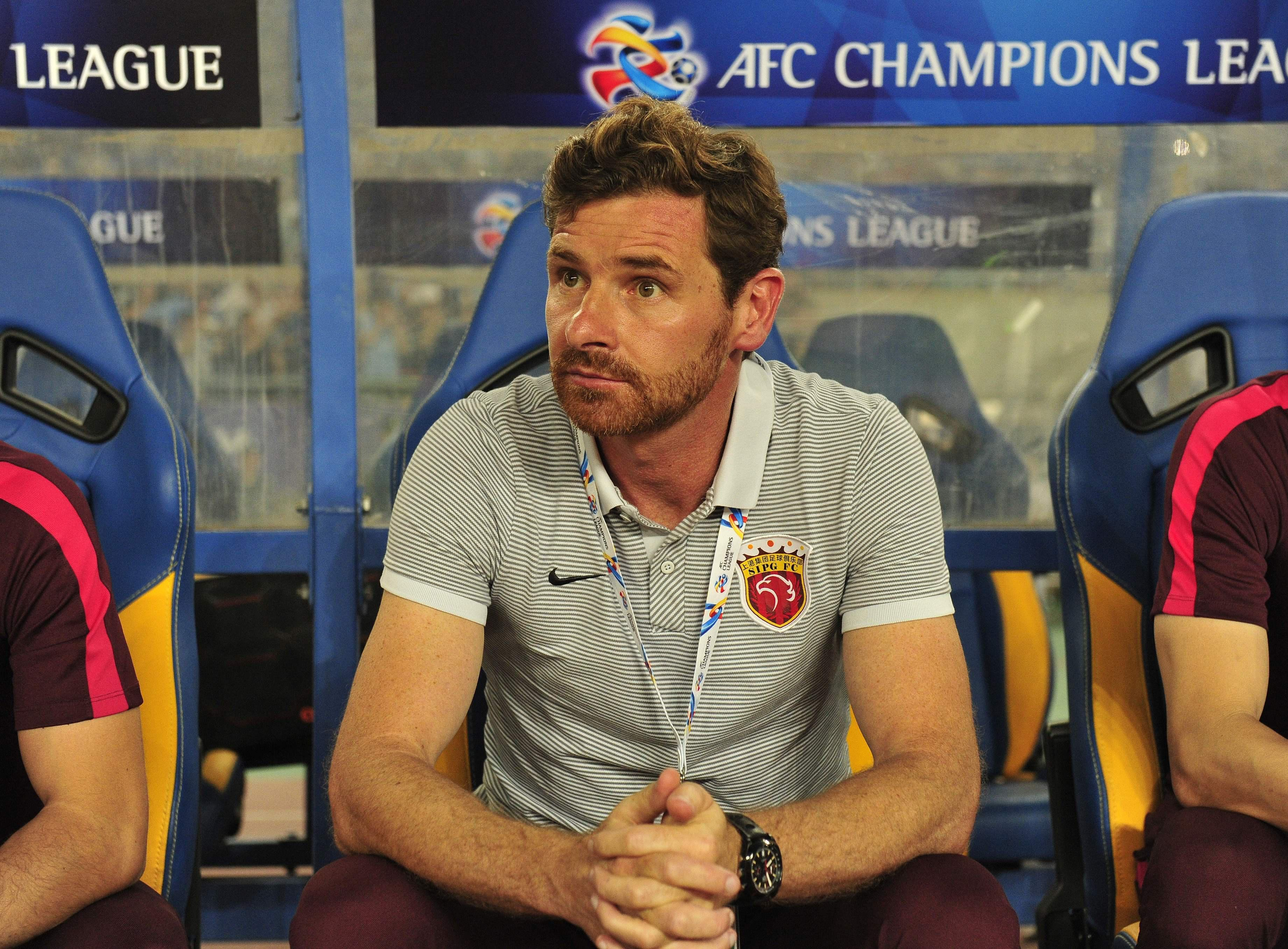 Andre Villas Boas accused a referee of taking a bribe