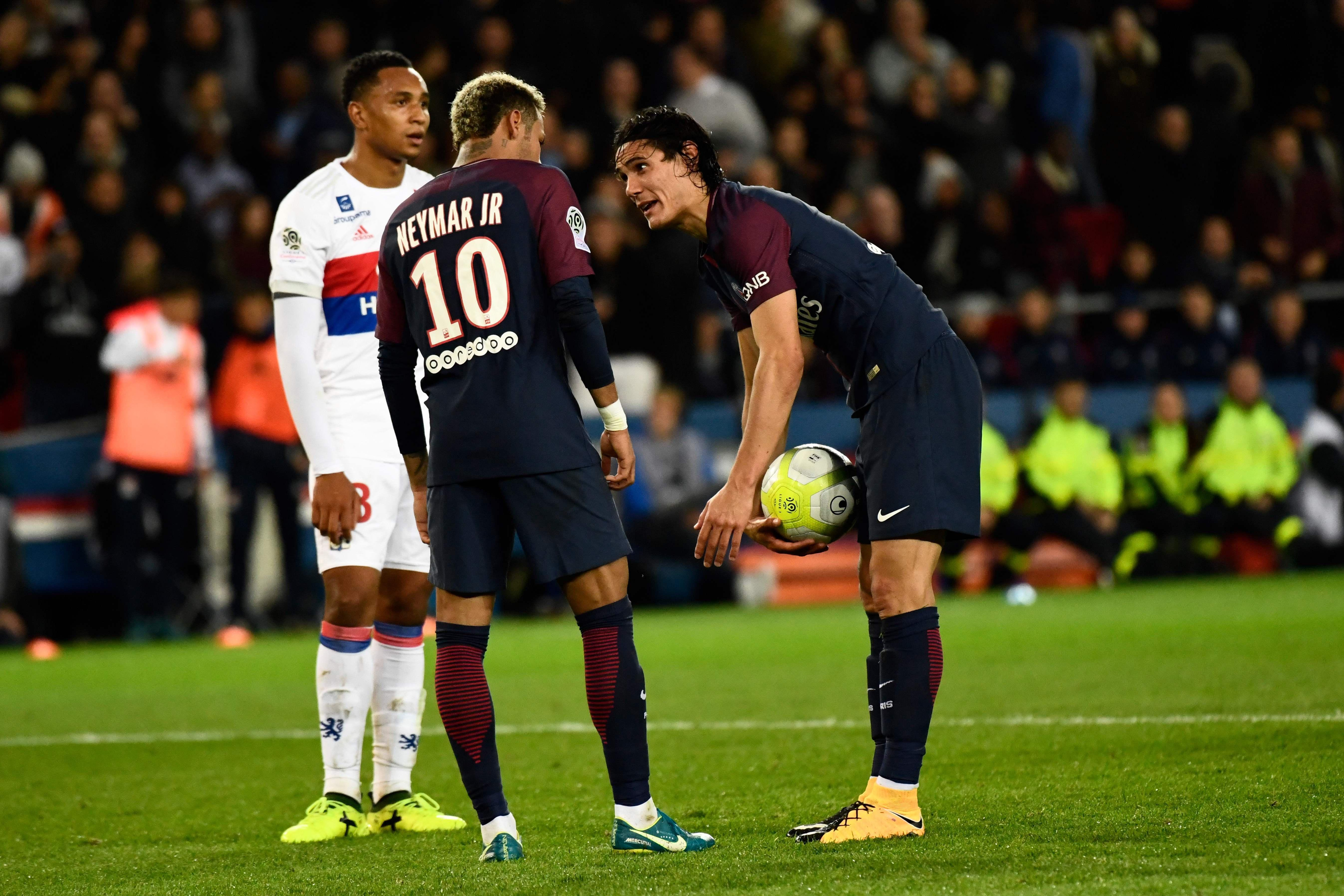 Neymar and Edinson Cavani had an argument over who should take set pieces