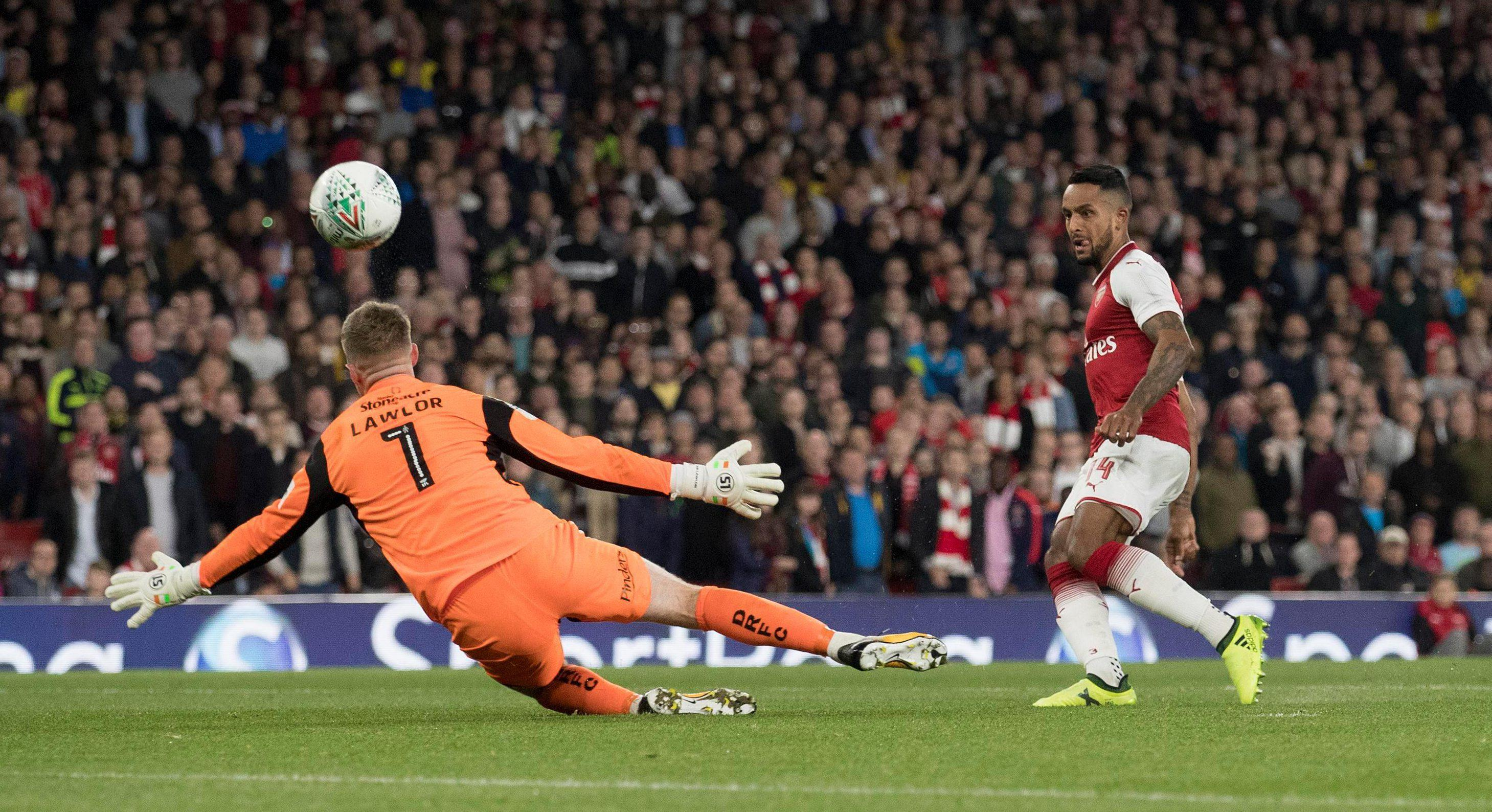 Walcott's early goal proved the difference at the Emirates