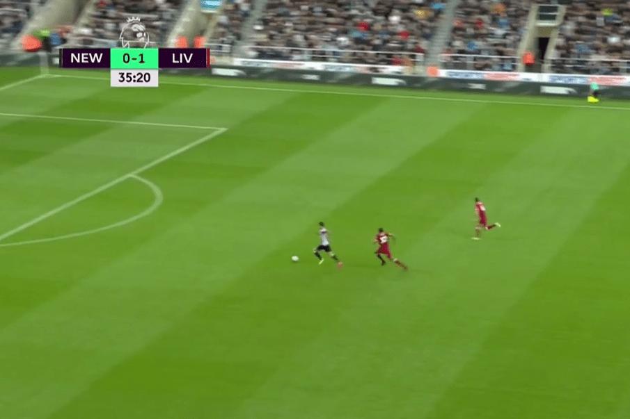 Joselu receives the pass and runs through on goal