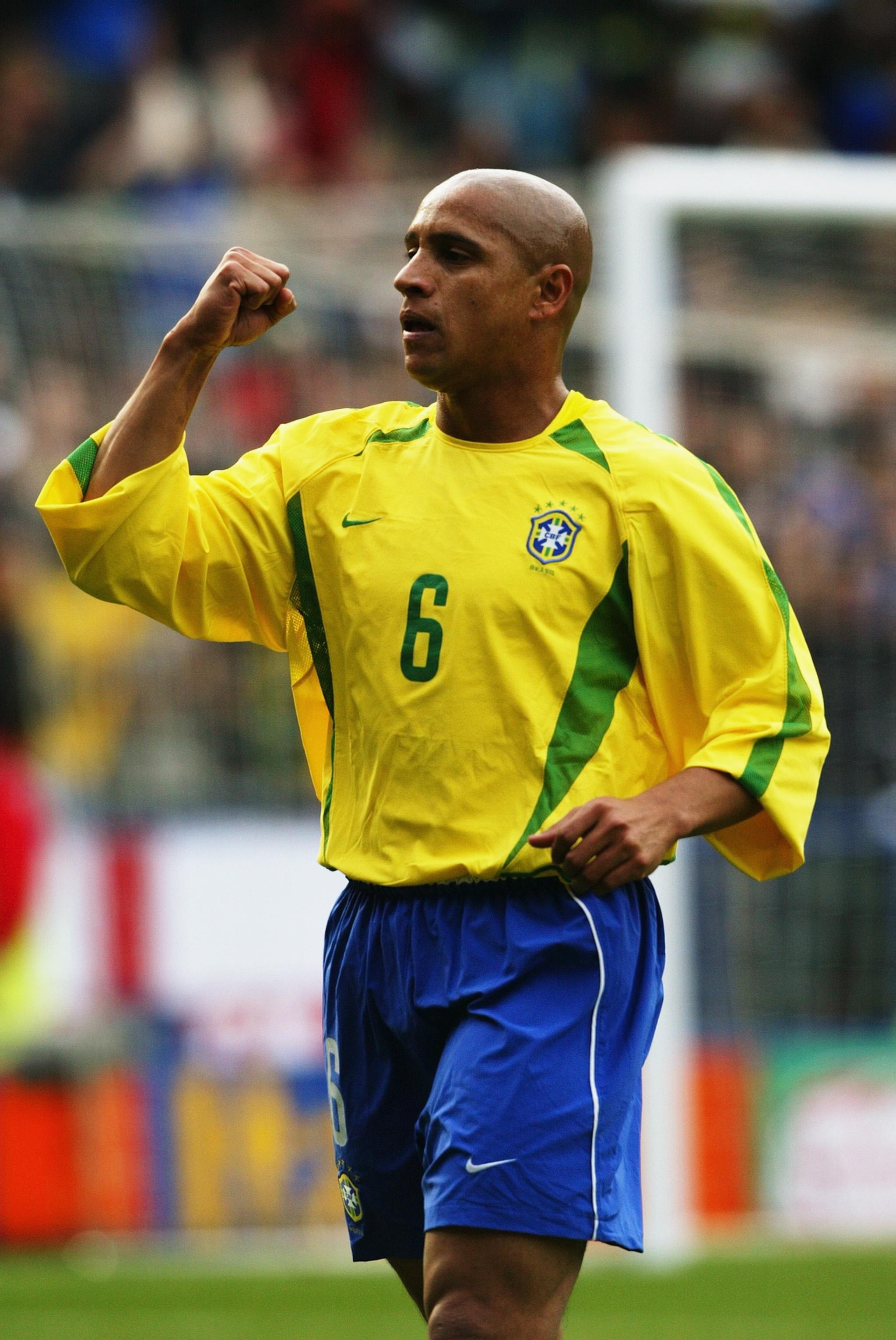 Is Carlos the greatest left-back of all-time?