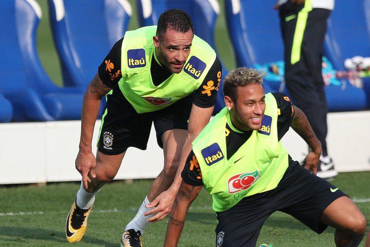 Renato Augusto never strays far from Neymar