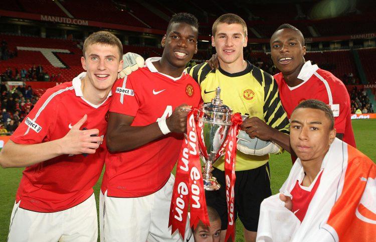 Derry City sign ex-Man United striker who cost £1million