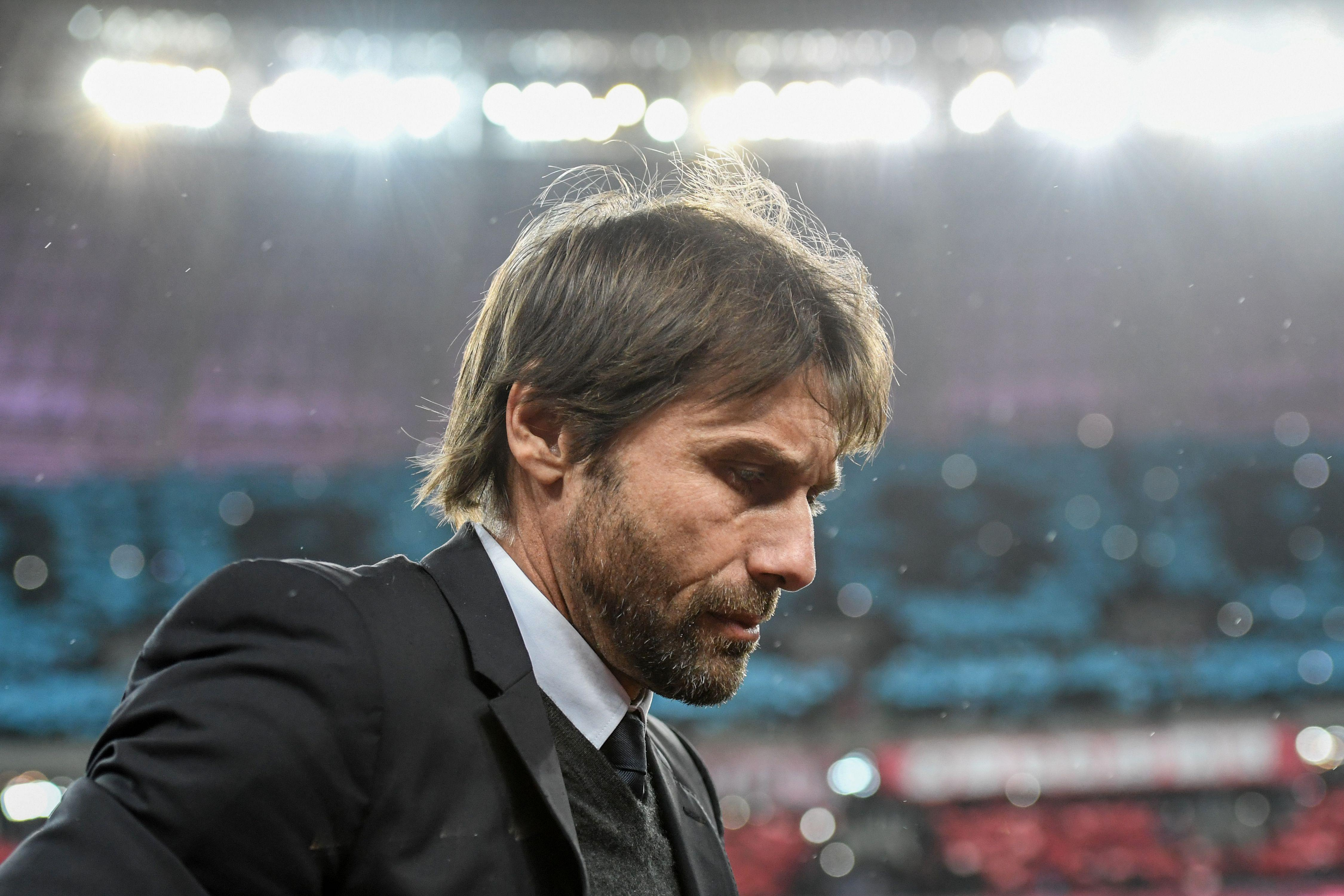 The life of a touring rockstar, featuring Antonio Conte
