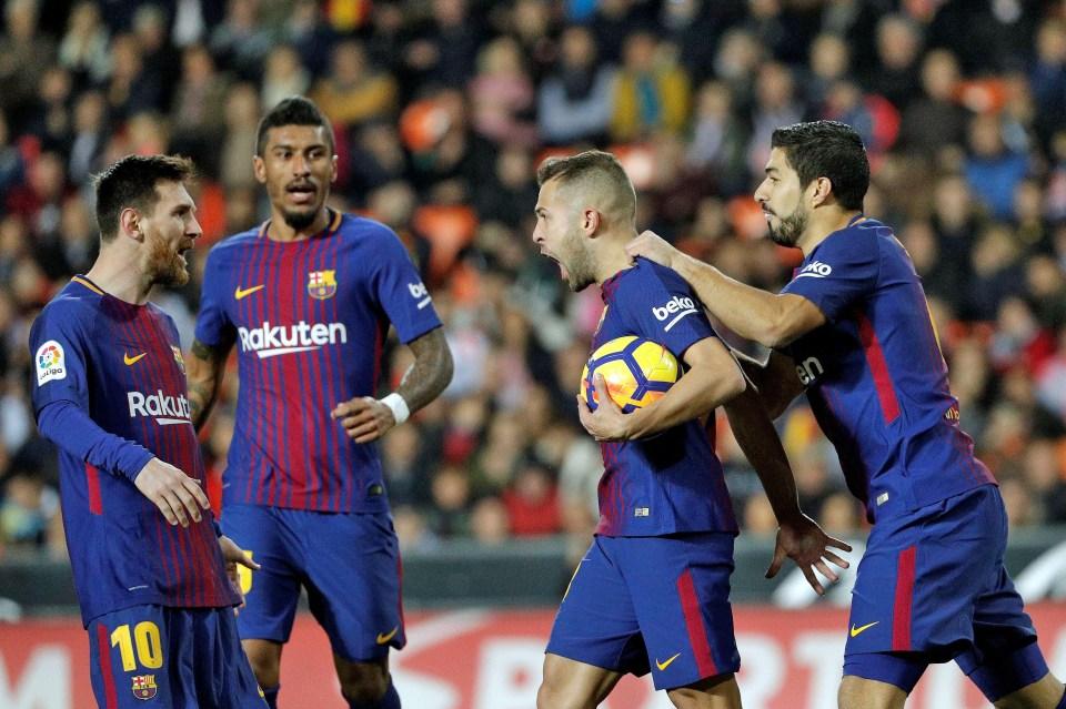 Alba scored late on to preserve Barcelona's unbeaten league record