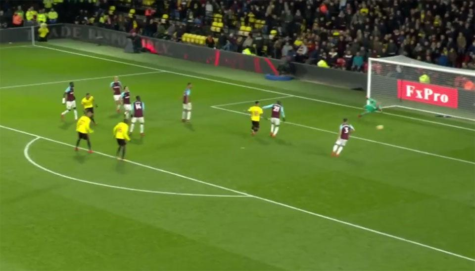 This Richarlison shot went just wide, which would have meant curtains for Weekender winner Simon
