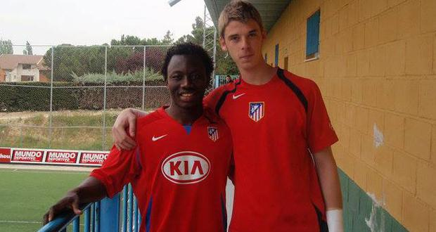 That's him on the left, he doesn't look identical to David De Gea